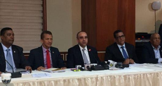 Bicameral tratará con JCE límite gastos campaña de candidatos