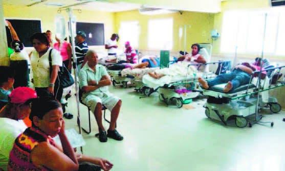 La emergencia del Hospital Estrella Ureña siempre está sobrepoblada