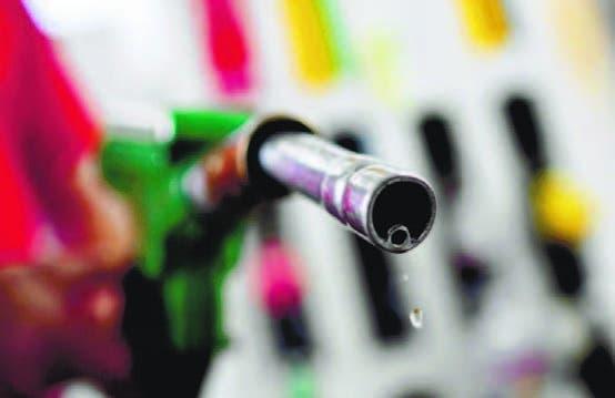 Gasolinas congeladas; otros suben
