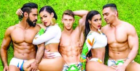 """Los ganadores del concurso """"Like a hot""""."""