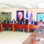 Los miembros del Comité Político en la reunión anoche.