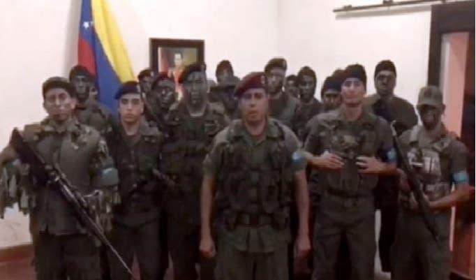 Los insurrectos robaron armas de la brigada 41 del fuerte Paramacay.