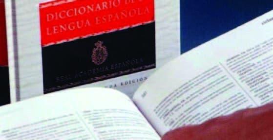 Nada impide validarlo con las normas de derivación del español