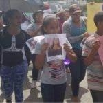 Familiares y amigos protestan en Moca/Foto: Fuente externa.
