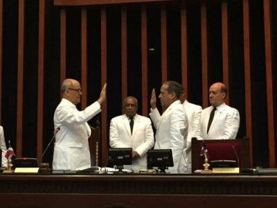 Pared Pérez valora decisión PLD y senadores lo apoyan