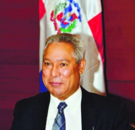 Santana atribuye descenso déficit fiscal a impacto de decreto