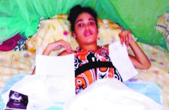 Madre pide ayuda para tratar  hija que   padece  de parálisis