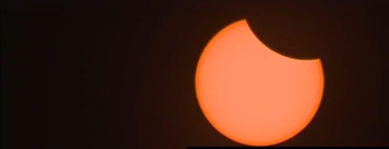Comenzó el eclipse en EE.UU; se verá parcialmente a partir de las 2:04 en RD