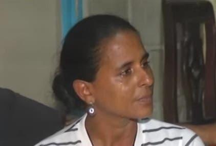 """La desesperada madre rogó porque """"le digan"""" donde está el cuerpo sin vida de su hija. Fuente externa."""