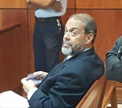 Bernardo Castellanos en la sala de audiencia donde se le conocen medidas de coerción. Foto: @WeyniPolancoTv .