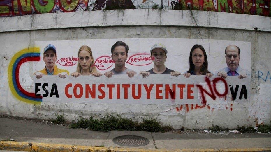 Crece rechazo a Constituyente venezolana tras toma de funciones de Parlamento