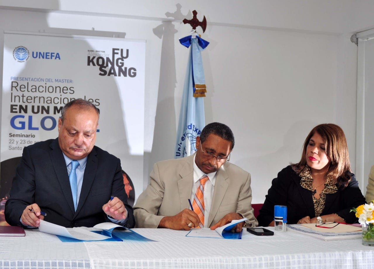 Universidad UNEFA firma acuerdo de colaboración académica con escuela de negocios europea