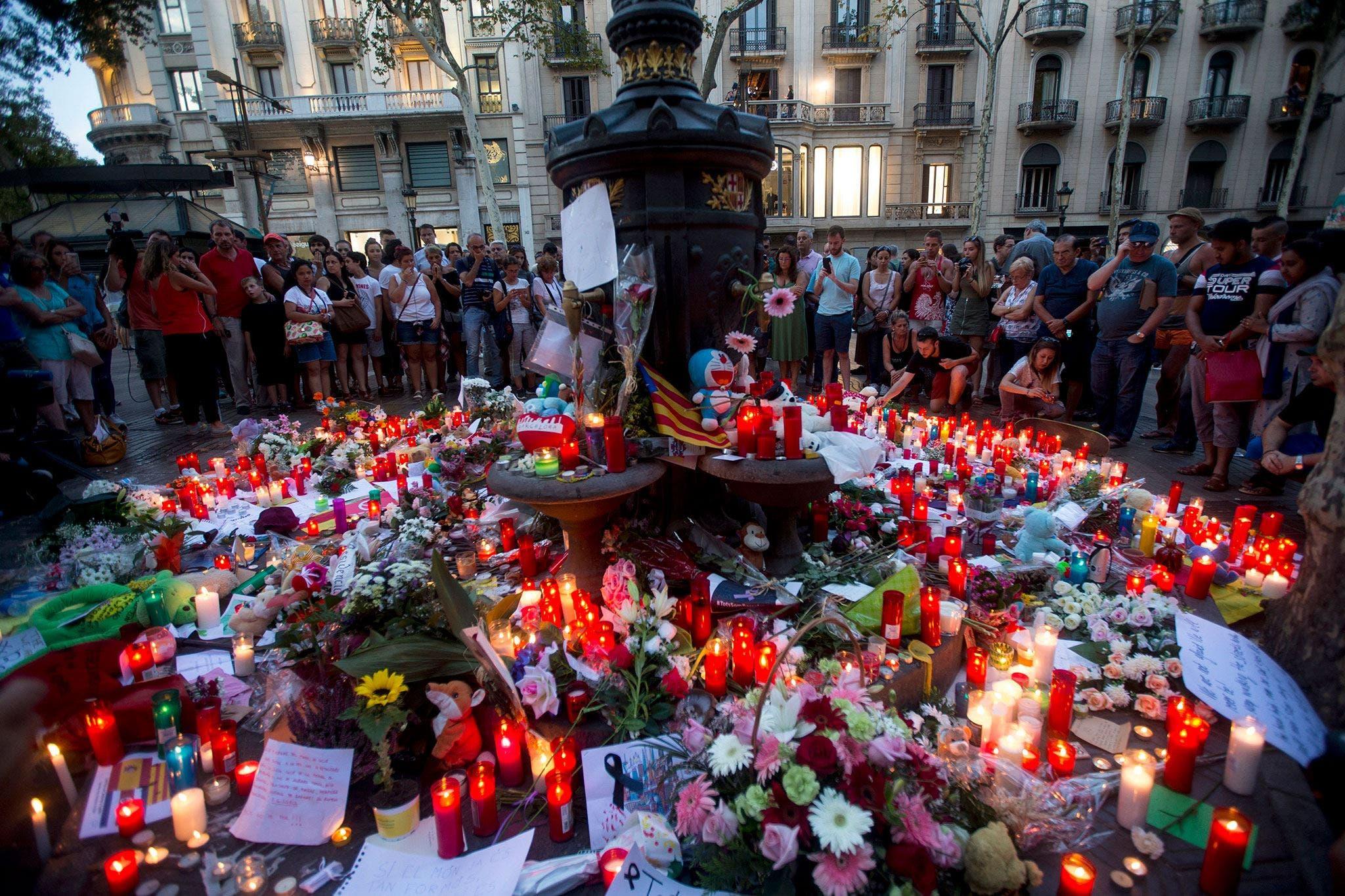 España y Francia buscan a cabecilla de ataques en Cataluña