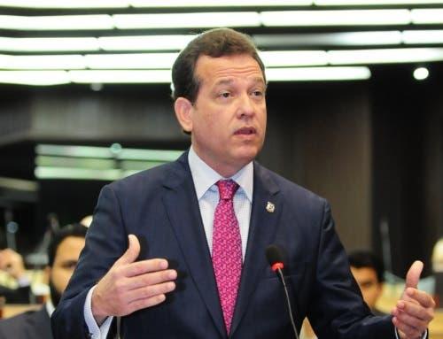 """Ito Bisonó repudia """"usurpación totalitaria"""" de funciones a la Asamblea Nacional venezolana"""