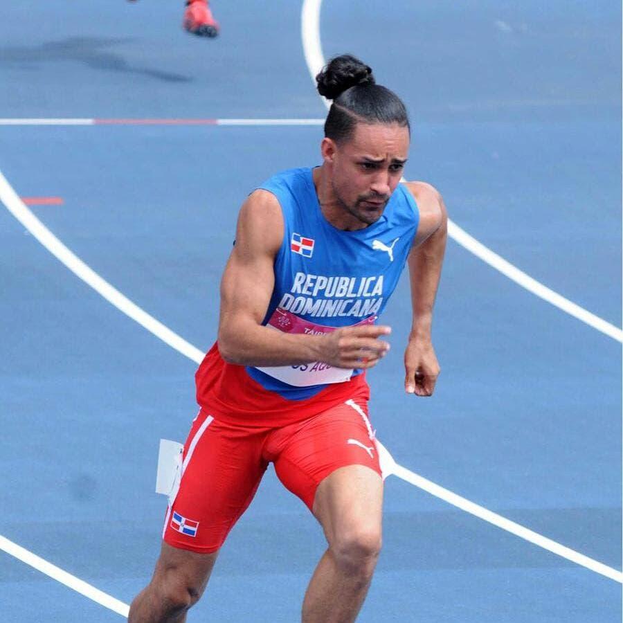 Luguelín Santos conquista el oro en Taipéi, China