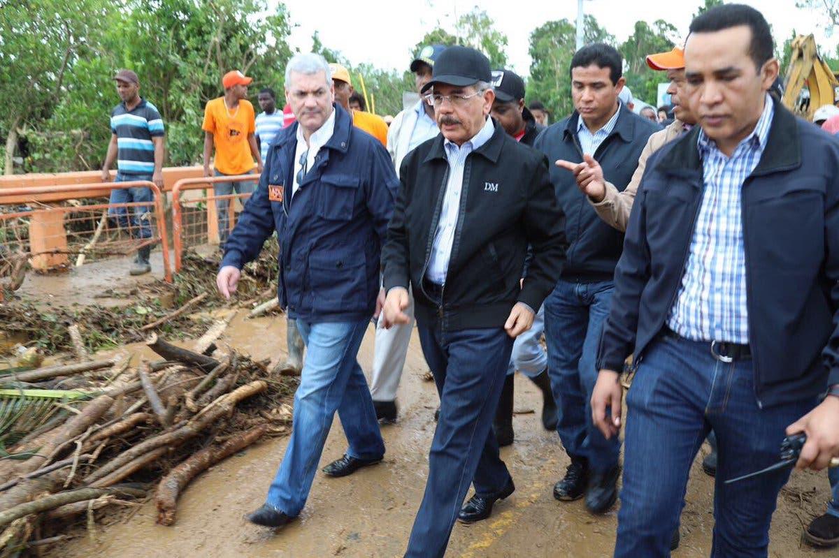 Video: Presidente Danilo Medina hace recorrido por zonas más afectadas por huracán María