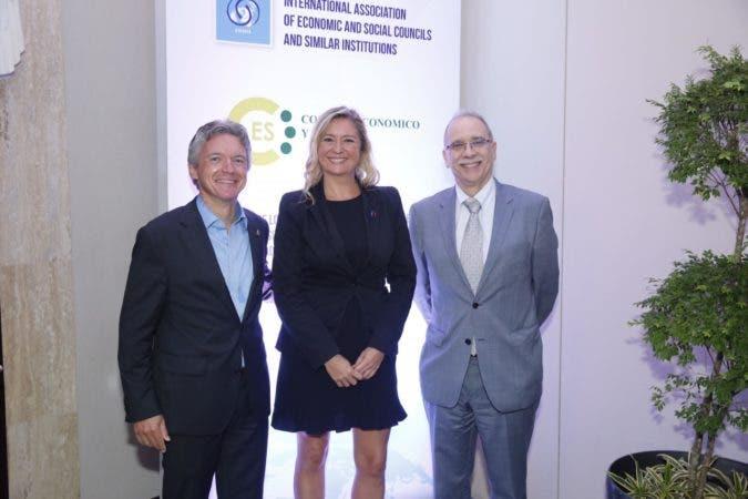 Daniel Becker, Carole Couvert, Mohamed Dahmani.