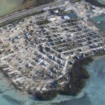En la imagen, vista de un parque de casas rodantes, con los vehículos volteados tras el paso del huracán Irma, el 11 de septiembre de 2017, en los Cayos de Florida. (Matt McClain/The Washington Post via AP, Pool).
