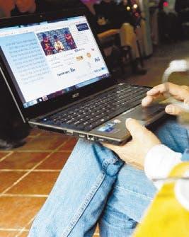 Demanda Gobierno EU por registrar laptops y teléfonos