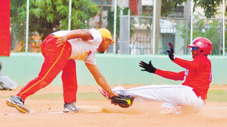 RD vence a Aruba en Panam de softbol