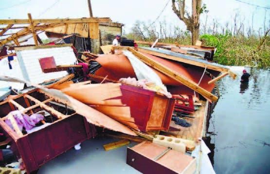 Casa destruida por el huracán María en Juana Matos, Puerto Rico