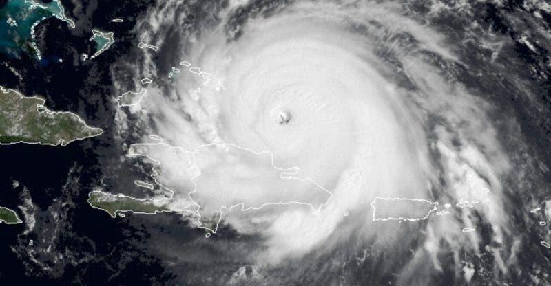 """El """"ojo"""" de Irma pasó anoche por el Atlántico al noreste de Pueto Plata."""