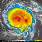María, de categoría 4, posee un amplio campo nuboso que ya está generando actividad de aguaceros, tormentas eléctricas y ráfagas de viento. Foto: Administración Nacional Oceánica y Atmosférica (NOOA).