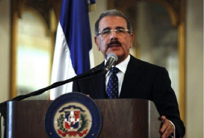 Presidente Medina inicia recorrido por zonas afectadas por huracán María