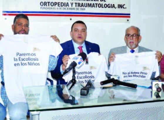 Directivos de las sociedades de Ortopedia y Pediatría, en rueda prensa
