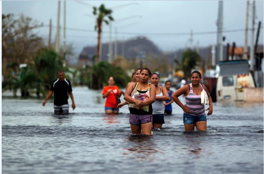 Evacúan dos pueblos en Puerto Rico por fallo en presa tras paso huracán María