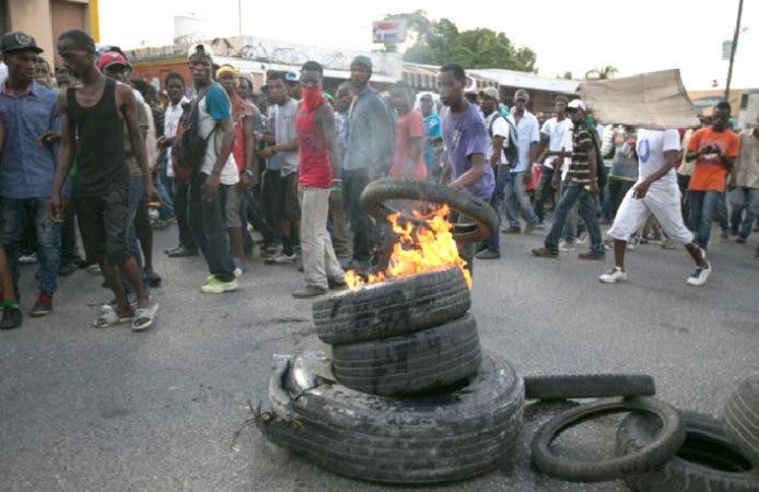 La  Policía haitiana usó gases lacrimógenos y balas/Foto: Fuente externa.