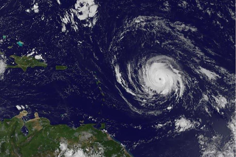 Huracán Irma sube a categoría 4 en su ruta hacia el Caribe