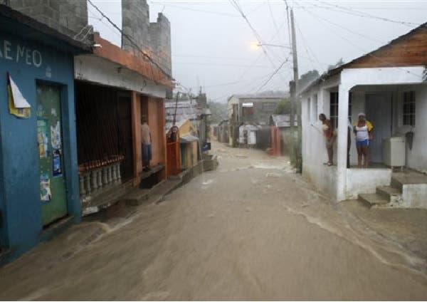 Desbordamiento del rió Magua derriba varias viviendas en Hato Mayor