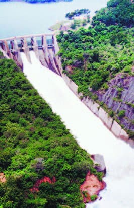 Presas del país siguen recibiendo grandes volúmenes agua