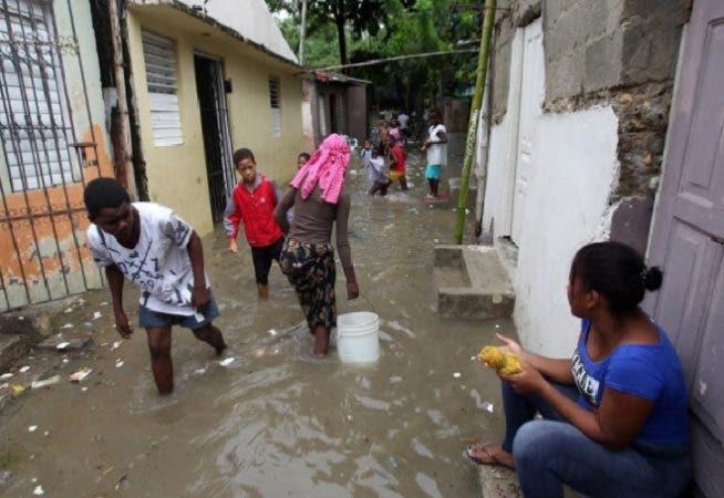 Emiten alerta verde para cinco provincias por posibles inundaciones