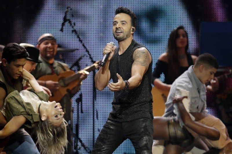 """Luis Fonsi estrena en Quito su nuevo sencillo de ritmo caribeño """"Calypso»"""