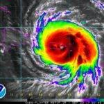 Ojo del huracán María sobre el sureste de Puerto Rico.Imagen 5:45am