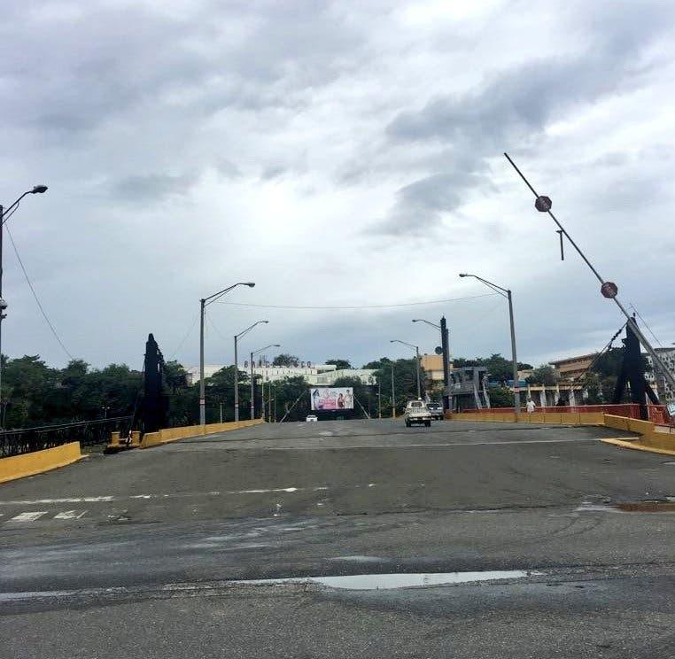Puente Flotante es reabierto; detalles de los puertos de RD