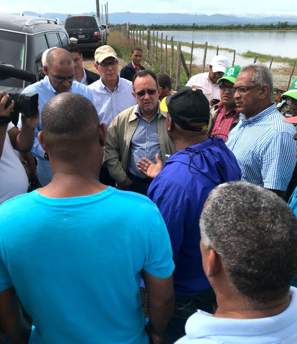 Gabinete agropecuario inspecciona zonas afectadas por huracán María