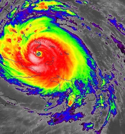 Irma se encuentra al sureste de Bahamas; mantienen avisos por inundaciones en RD