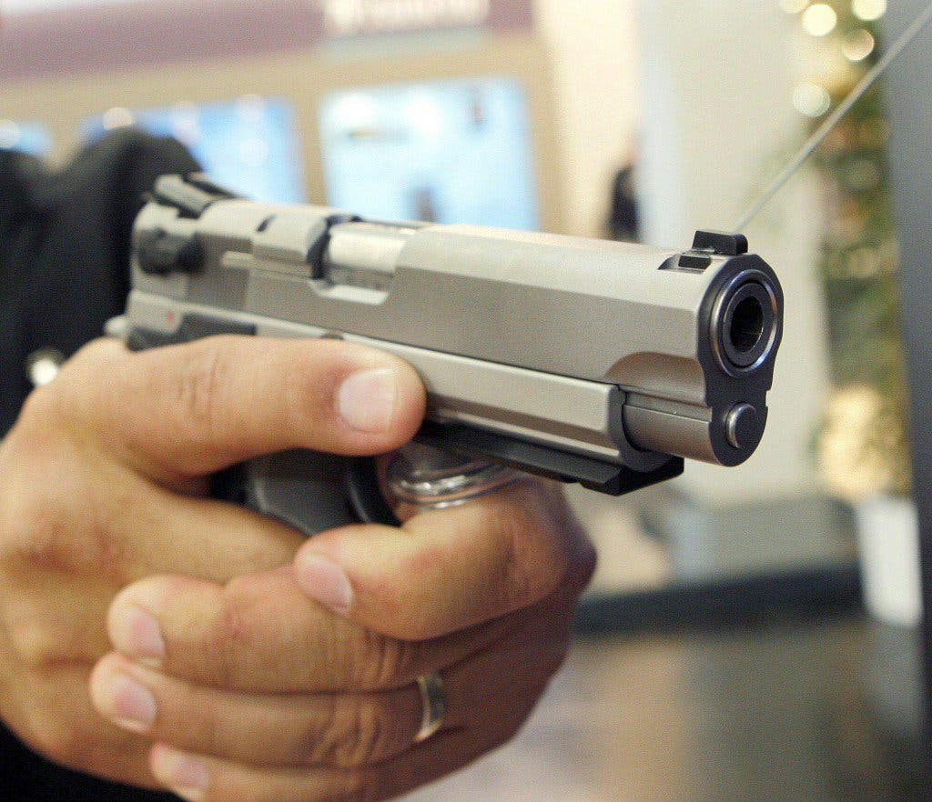 Apresan comerciante encañonó con pistola y amenazó de muerte a una mujer en Mao