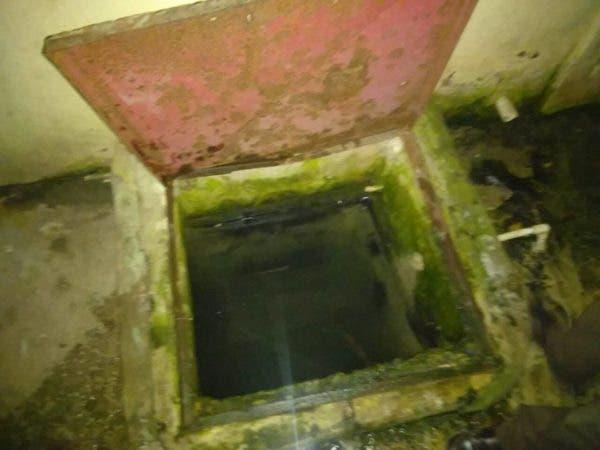 Cisterna a la que cayó el menor.