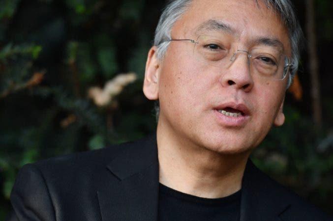 El británico Kazuo Ishiguro fue galardonado hoy con el Premio Nobel de Literatura 2017.
