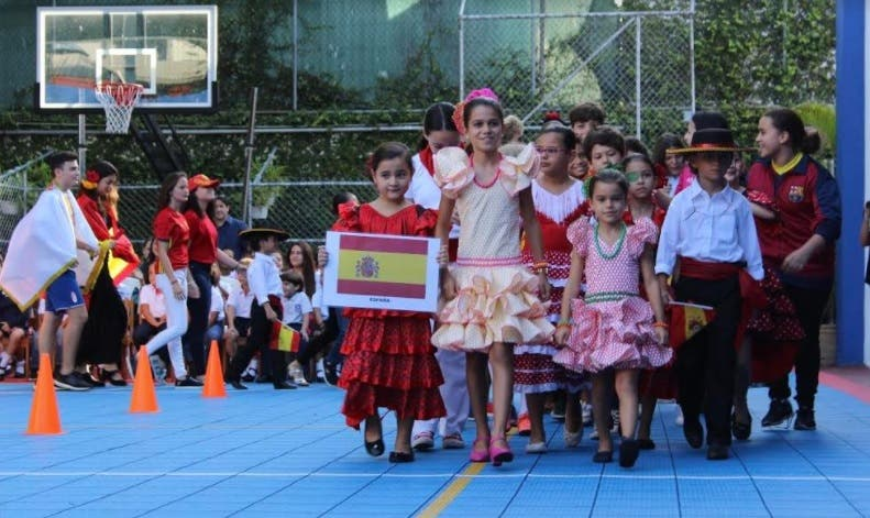Saint George School reafirma su diversidad cultural