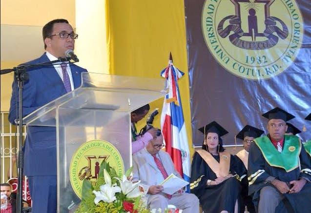Andrés Navarro 6
