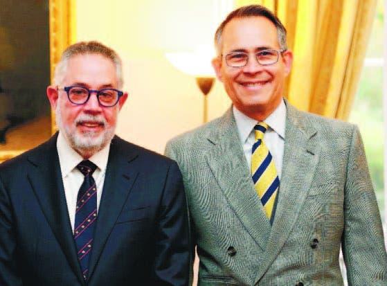 Campos de Moya, presidente de la AIRD, y el embajador dominicano