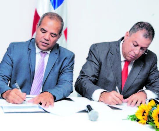 Casimiro Ramos y Arnaldo Gómez firman un acuerdo