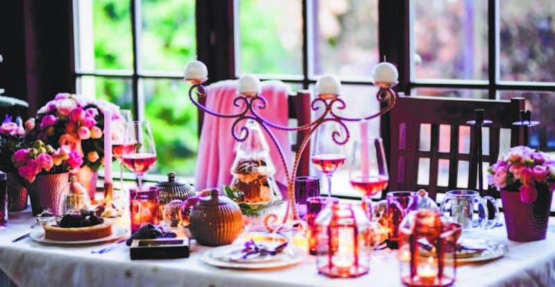 Con el rosa pálido logramos decoraciones románticas.