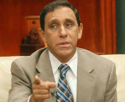 El ministro de Salud, Rafael Sánchez Cárdenas, inició hoy su tradicional rueda de prensa virtual para dar seguimiento al coronavirus de manera distinta: con buenas noticias, entre ellas que la salud del querido doctor Félix Antonio Cruz Jiminián sigue mejorando.