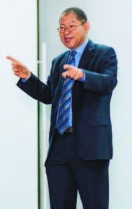 El charlista, Luis Vergés, durante su ponencia